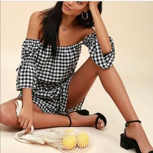 Pants - Off Shoulder Gingham Romper XS NWT Great Gift🎁🎁
